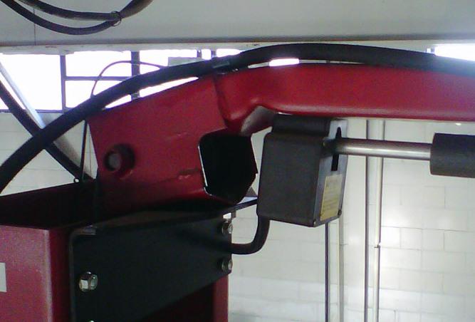 damagedlift2.jpg
